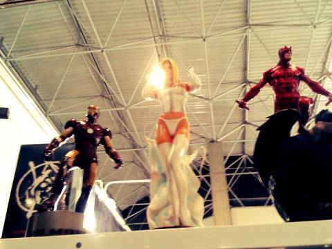 Estatuetas na Comic Hunter (3)