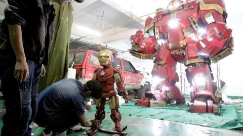 Iron Man Superdeformed & Hulkbuster