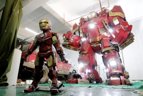 Iron Man Hulkbuster &  Superdeformed