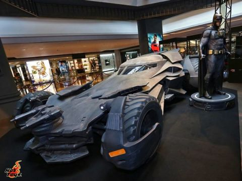 Batmobile 1:1 Hot Toys