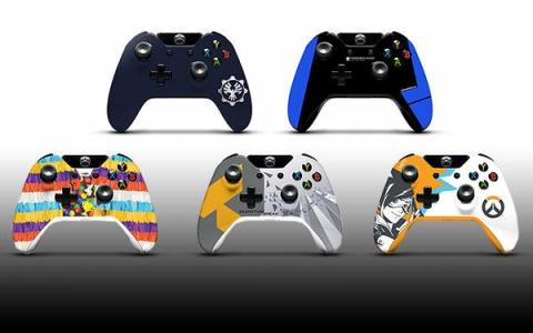 2016 PAX Xbox One controllers 01