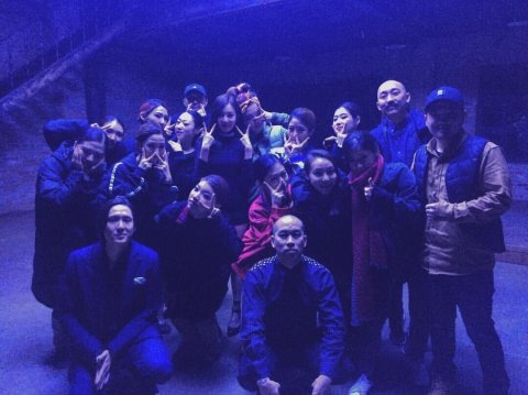 ice-cold-in-seoul-a-week-of-preppin-with-no-sleep-6am-after-the-final-shot-on-set-for-dont-speak-dancers-that-worked-sleepless-nights-to-make-this-one-special-thank-u-guys-for-putting-ur-love-into-th